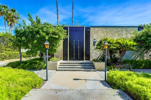 Photo of 350 W Via Lola, Palm Springs, CA 92262 (MLS # 219042541DA)
