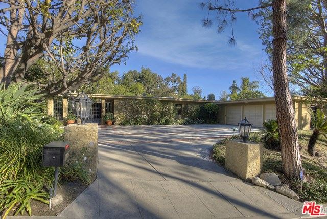 Photo of 1160 Loma Vista Drive, Beverly Hills, CA 90210 (MLS # 21687200)