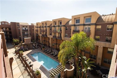 Photo of 201 E Angeleno Avenue #431, Burbank, CA 91502 (MLS # 320002201)