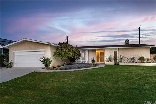 Photo of 2730 Cibola Avenue, Costa Mesa, CA 92626 (MLS # OC21195201)
