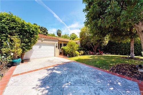 Photo of 4832 Gentry Avenue, Valley Village, CA 91607 (MLS # SR20090201)