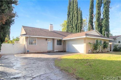 Photo of 17614 Kingsbury Street, Granada Hills, CA 91344 (MLS # SR21004201)