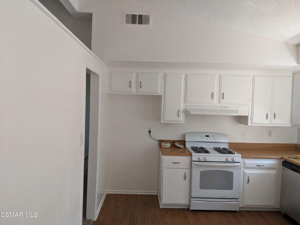 Photo of 1390 Hartley Avenue, Simi Valley, CA 93065 (MLS # 221005202)