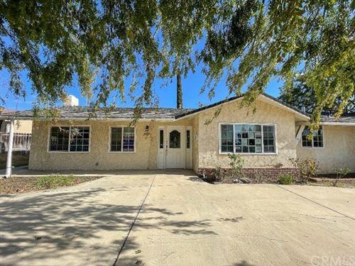 Photo of 616 E Avenida De Las Flores, Thousand Oaks, CA 91360 (MLS # IV21012203)