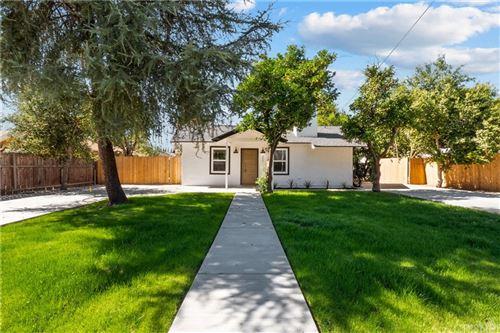 Photo of 9403 Noble Avenue, North Hills, CA 91343 (MLS # SR21226203)