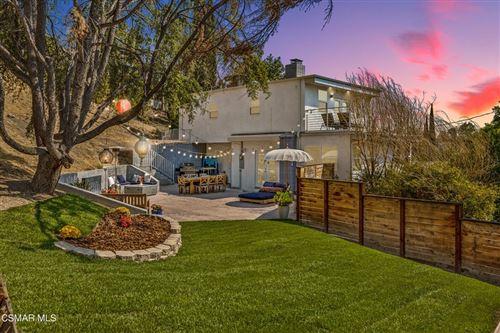 Photo of 5115 Campo Road, Woodland Hills, CA 91364 (MLS # 221005204)