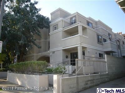 Photo of 317 E Del Mar Boulevard #3, Pasadena, CA 91101 (MLS # 820001204)
