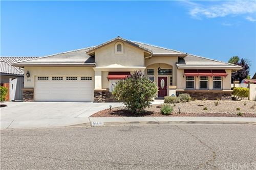 Photo of 511 Laurelwood Drive, Paso Robles, CA 93446 (MLS # NS21103204)