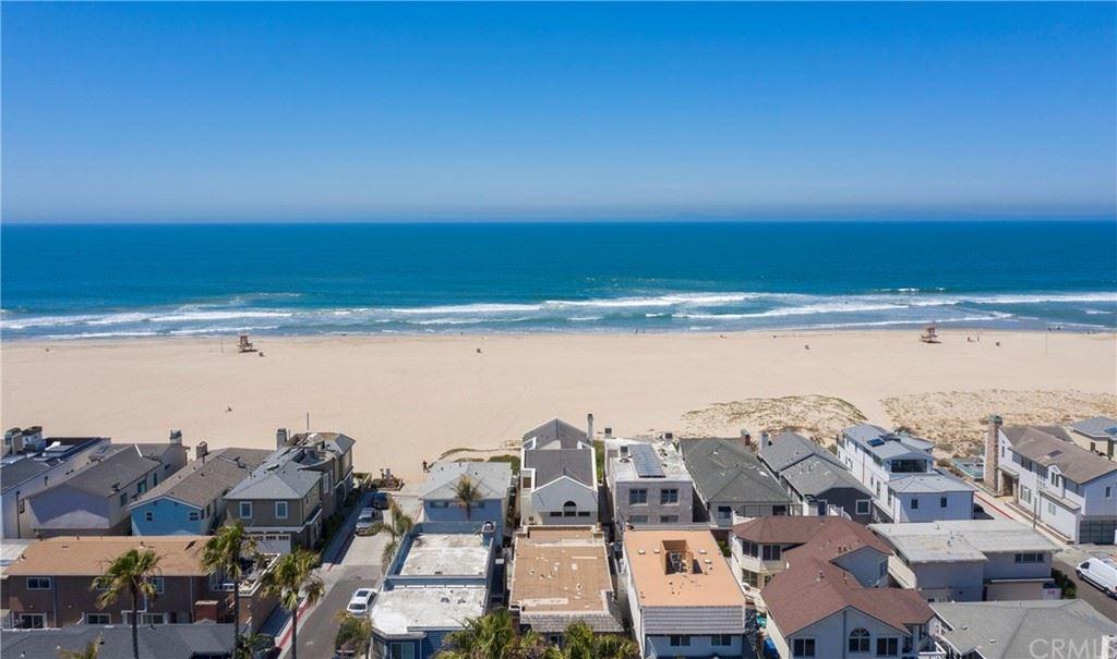 Photo for 7202 W Oceanfront, Newport Beach, CA 92663 (MLS # OC21125204)