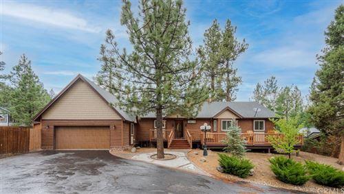 Photo of 42778 Meadow Hill Place, Big Bear, CA 92315 (MLS # CV21154205)