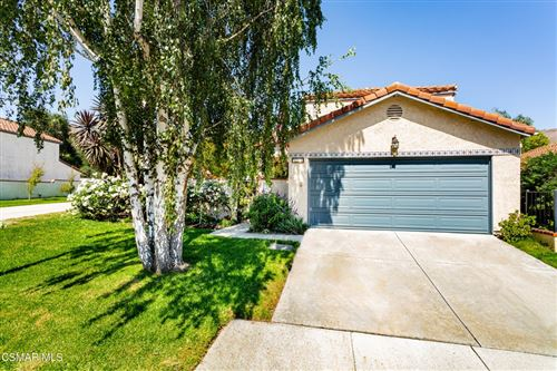 Photo of 833 Congressional Road, Simi Valley, CA 93065 (MLS # 221004207)