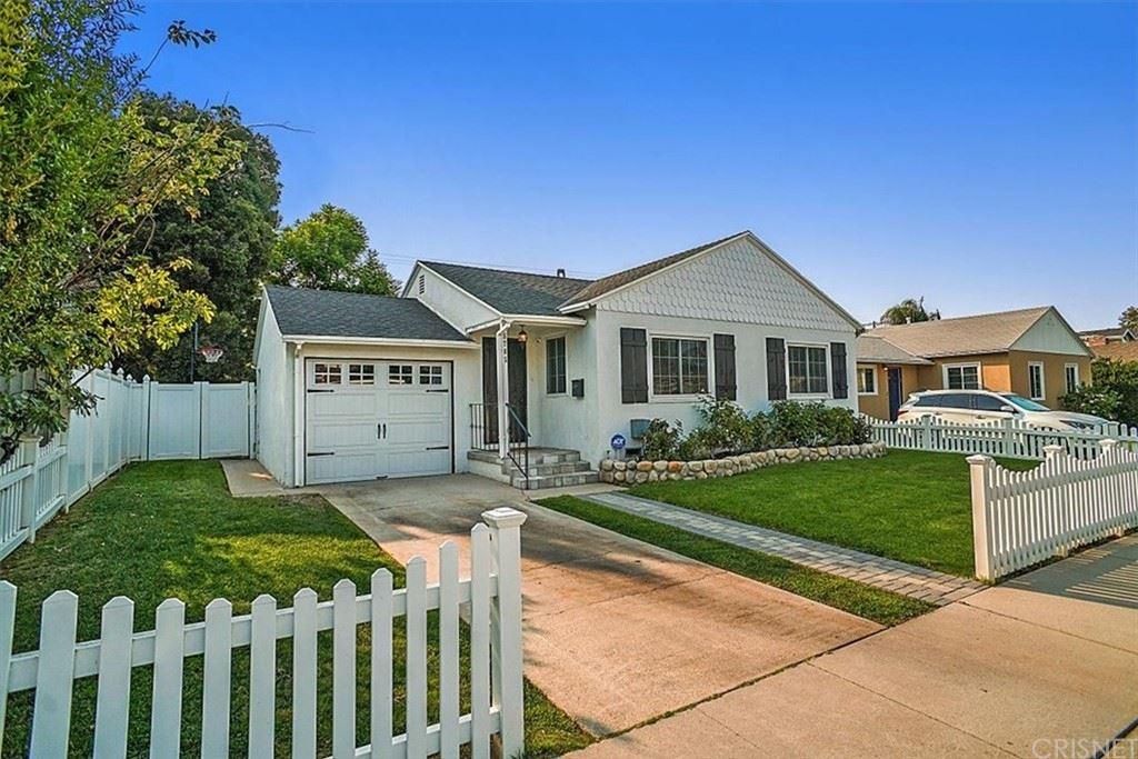 Photo of 5705 Hesperia Avenue, Encino, CA 91316 (MLS # SR21213207)