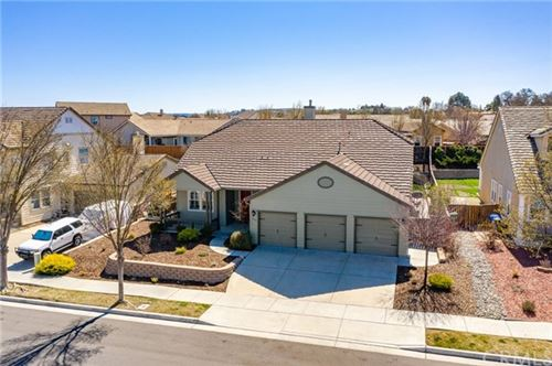 Photo of 242 Silver Oak Drive, Paso Robles, CA 93446 (MLS # SC21043209)