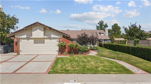 Photo of 28214 Stanley Court, Canyon Country, CA 91351 (MLS # SR21158209)