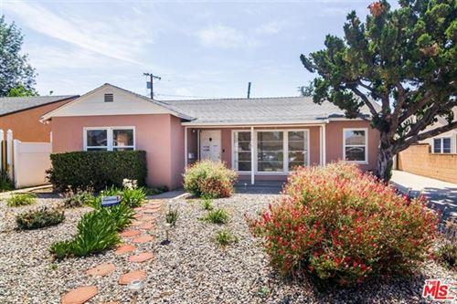 Photo of 17618 Lorne Street, Northridge, CA 91325 (MLS # 21719210)
