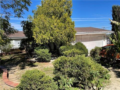 Photo of 24355 Crestlawn Street, Woodland Hills, CA 91367 (MLS # SR21058210)
