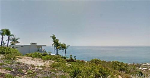 Photo of 934 Bonnie Brae Avenue, Laguna Beach, CA 92651 (MLS # LG17236212)