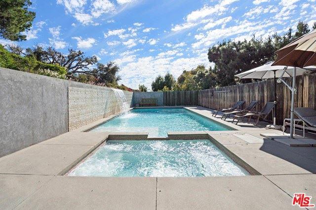 Photo of 29359 HEATHERCLIFF Road, Malibu, CA 90265 (MLS # 20581212)