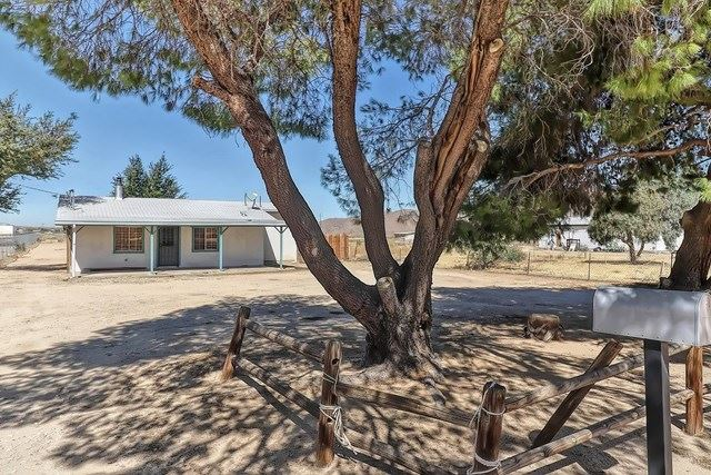 10274 Willow Wells Avenue, Lucerne Valley, CA 92356 - #: 517212