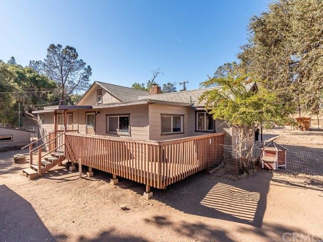 Photo of 5411 Seven Oaks Way, Santa Margarita, CA 93453 (MLS # NS19244212)