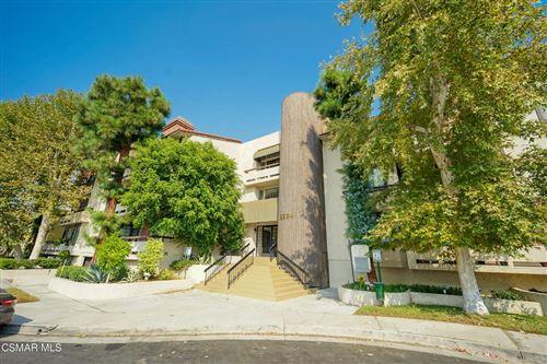 Photo of 5534 Encino Avenue #104, Encino, CA 91316 (MLS # 221005213)