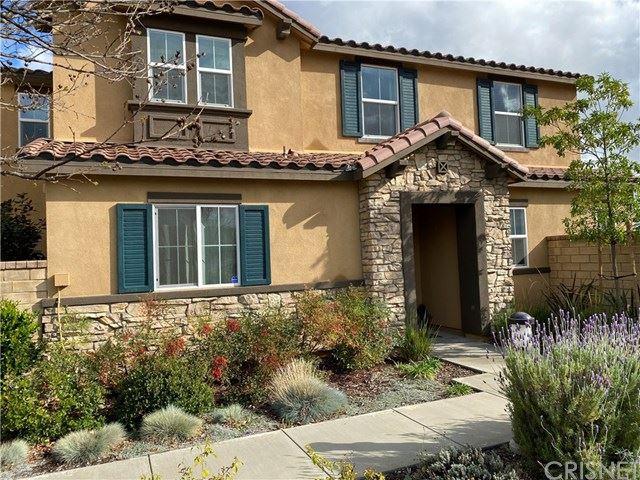 Photo for 27431 Snowberry Court, Saugus, CA 91350 (MLS # SR20052213)