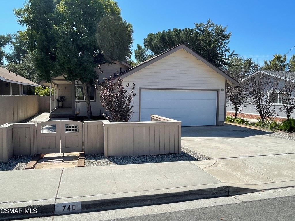 740 E Hillcrest Drive, Thousand Oaks, CA 91360 - MLS#: 221005216