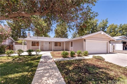Photo of 29441 Florabunda Road, Canyon Country, CA 91387 (MLS # SR20153217)