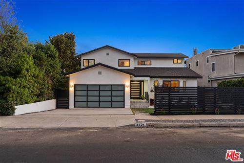 Photo of 3721 Ocean View Avenue, Los Angeles, CA 90066 (MLS # 21754218)