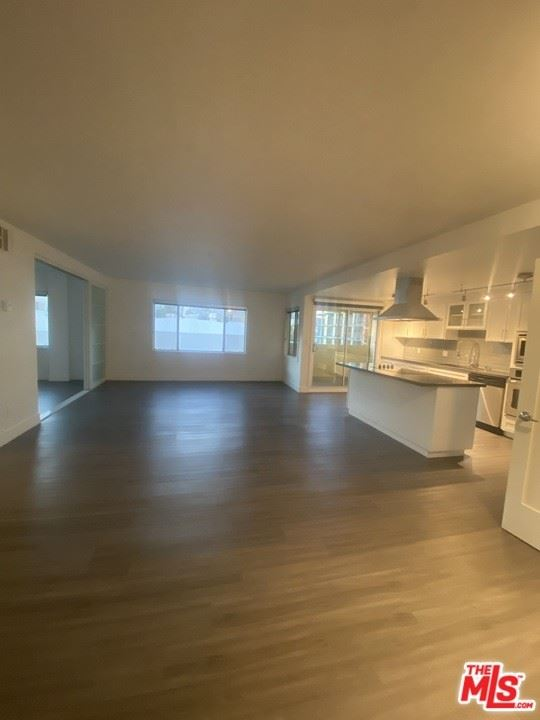 Photo of 131 S Maple Drive #404, Beverly Hills, CA 90210 (MLS # 21765218)