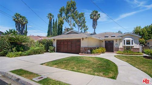 Photo of 14635 Hartsook Street, Sherman Oaks, CA 91403 (MLS # 20611220)