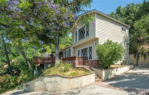 Photo of 11434 Sunshine Terrace, Studio City, CA 91604 (MLS # SR20126220)