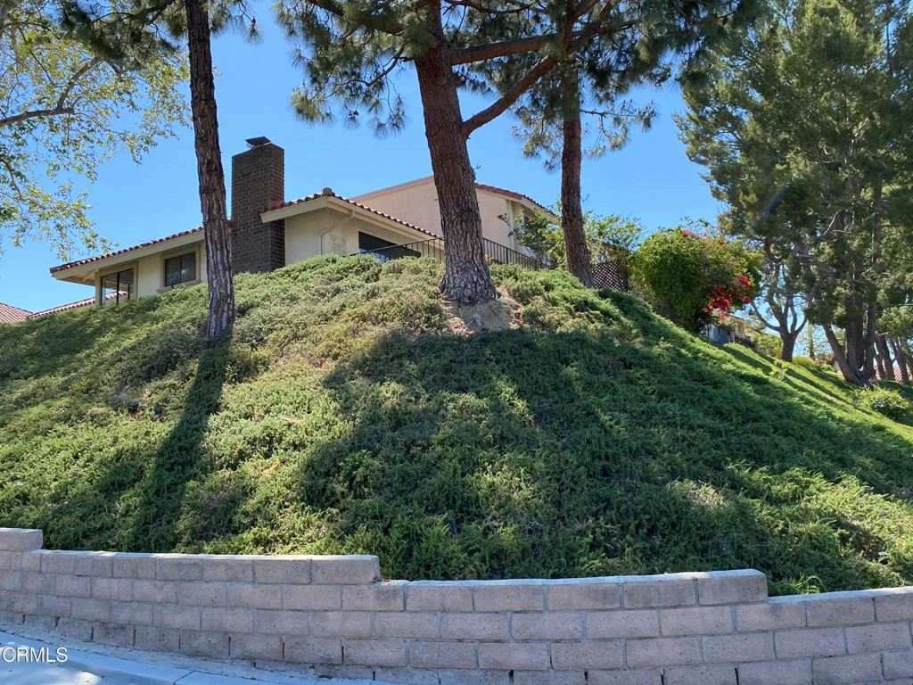 Photo of 237 Red Oak Lane, Newbury Park, CA 91320 (MLS # V1-6221)