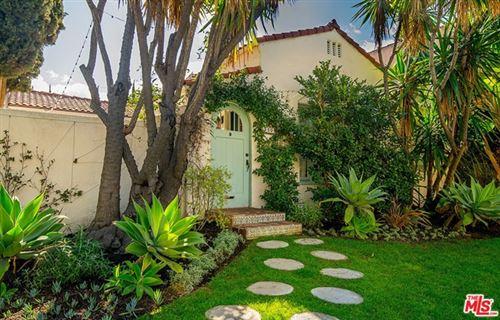 Photo of 950 S MUIRFIELD Road, Los Angeles, CA 90019 (MLS # 20649222)
