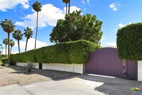Photo of 345 W Vista Chino, Palm Springs, CA 92262 (MLS # 21791222)
