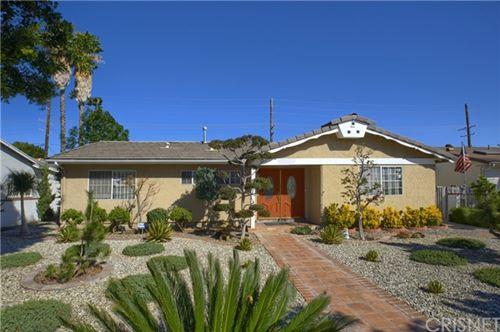 Photo of 23345 Victory Boulevard, West Hills, CA 91307 (MLS # SR21032222)