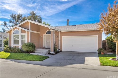 Photo of 20054 Crestview Drive, Canyon Country, CA 91351 (MLS # SR21234222)