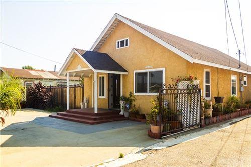 Photo of 10601 S Grevillea Avenue, Inglewood, CA 90304 (MLS # IV20170223)