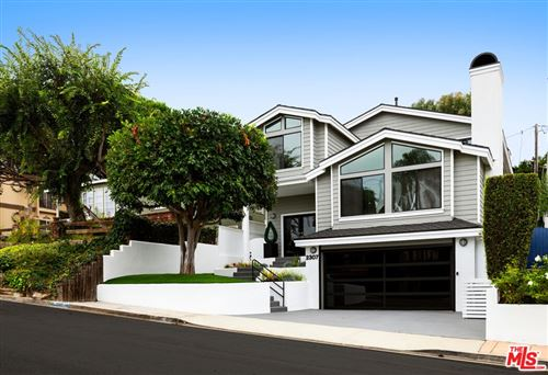 Photo of 2307 N Poinsettia Avenue, Manhattan Beach, CA 90266 (MLS # 21797224)