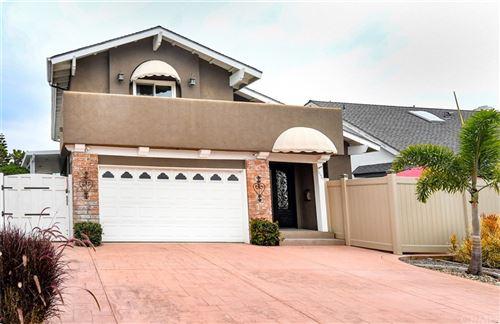 Photo of 8121 Dartmoor Drive, Huntington Beach, CA 92646 (MLS # RS21223224)