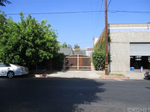 Photo of 7141 Amigo Avenue, Reseda, CA 91335 (MLS # SR18217224)