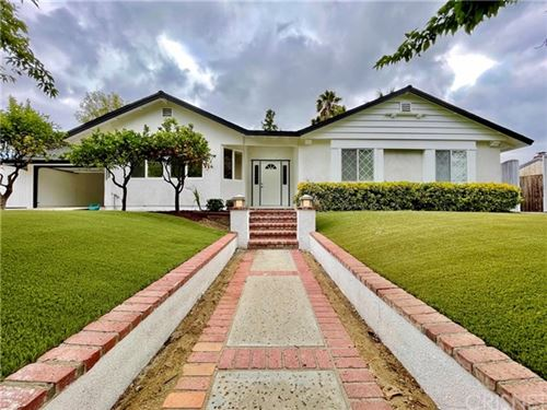 Photo of 3159 Camino Graciosa, Thousand Oaks, CA 91360 (MLS # SR21123225)