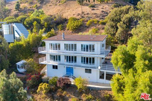 Photo of 21733 Castlewood Drive, Malibu, CA 90265 (MLS # 21682226)