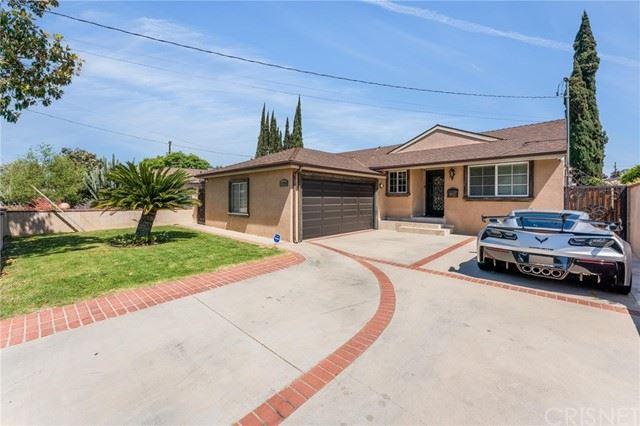 Photo of 13749 Wyandotte Street, Van Nuys, CA 91405 (MLS # SR21114227)