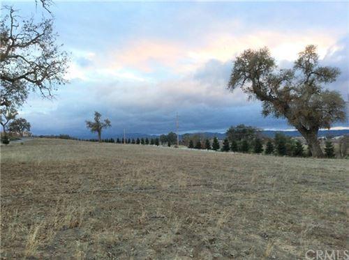 Photo of 1320 Fire Rock Loop, Templeton, CA 93465 (MLS # NS19013228)