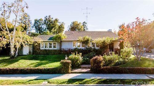 Photo of 22132 San Miguel Street, Woodland Hills, CA 91364 (MLS # SR20243228)