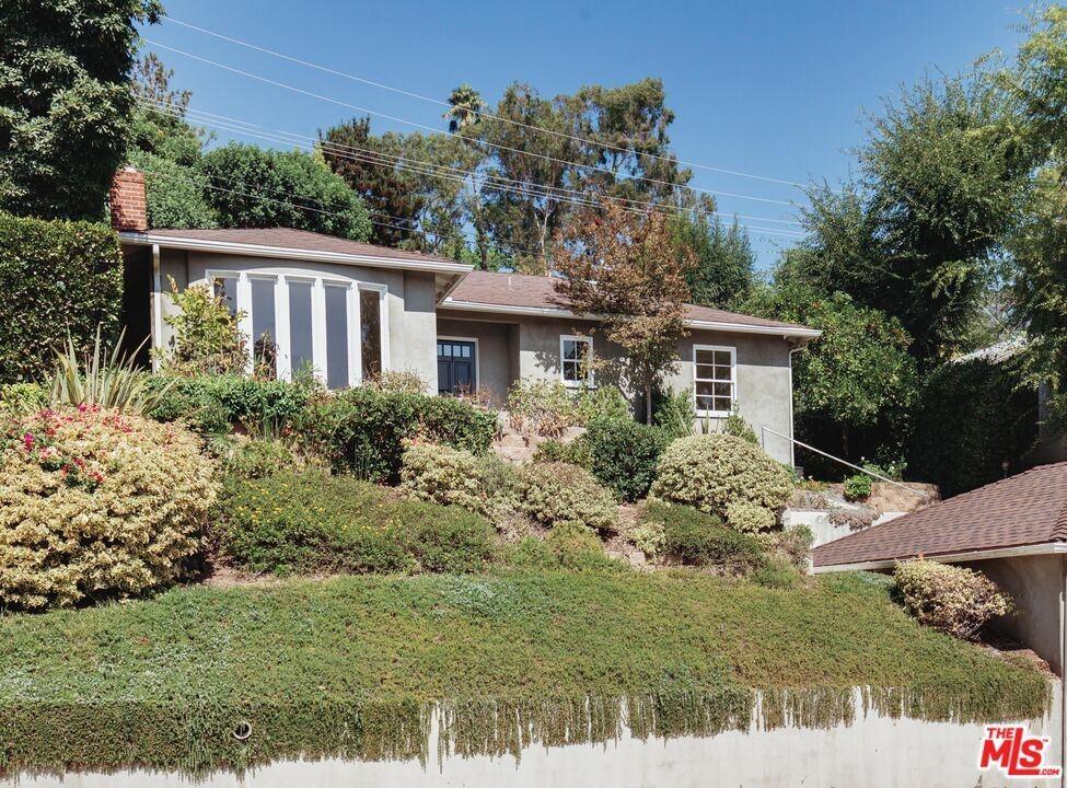 Photo of 1387 Cheviotdale Drive, Pasadena, CA 91105 (MLS # 21784228)
