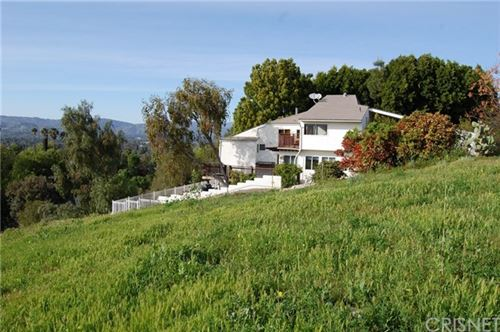 Photo of 5011 Macfarlane Lane, Woodland Hills, CA 91364 (MLS # SR20128230)