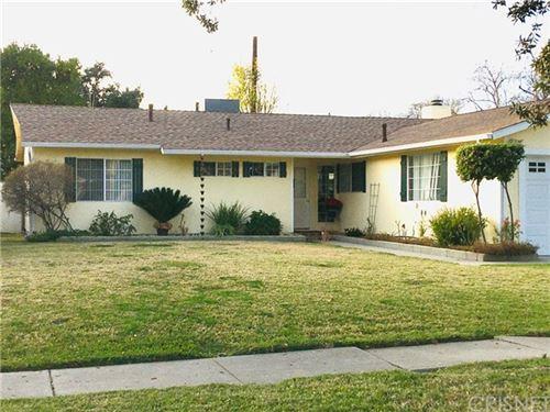 Photo of 6221 Glide Avenue, Woodland Hills, CA 91367 (MLS # SR21008230)
