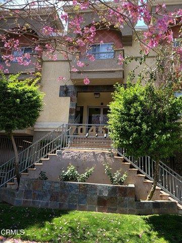 Photo for 7045 Woodley Avenue #128, Van Nuys, CA 91406 (MLS # V1-5230)